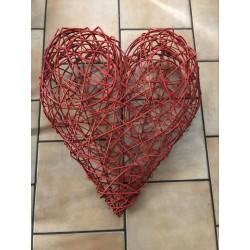 Cœur en osier rouge
