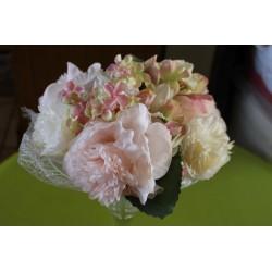 Composition de fleur rose et blanche D30